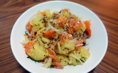 Ensalada caliente de patata y salmón ahumado