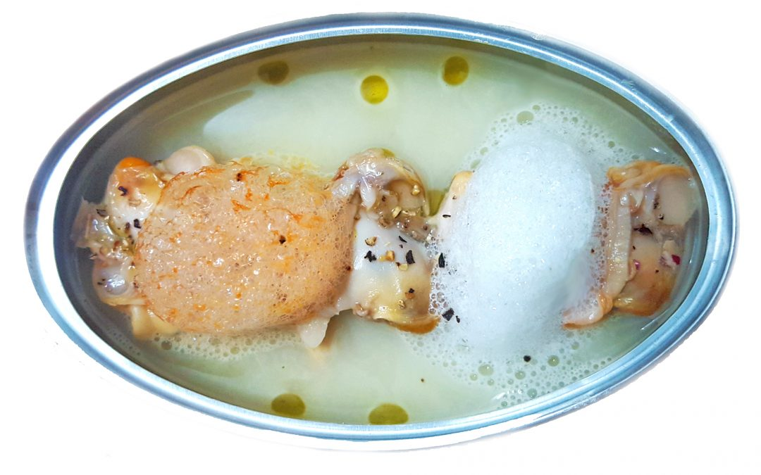 Crema ligera de puerros, almejas Espinaler, aire de cítricos