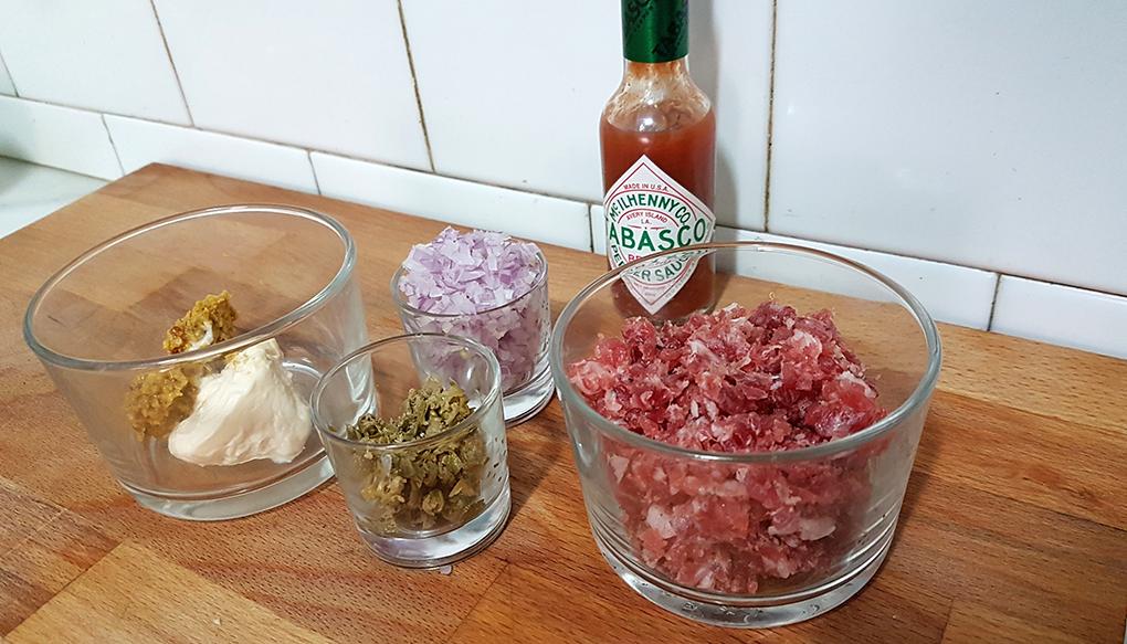 Receta-tartar-fuet-ingredientes