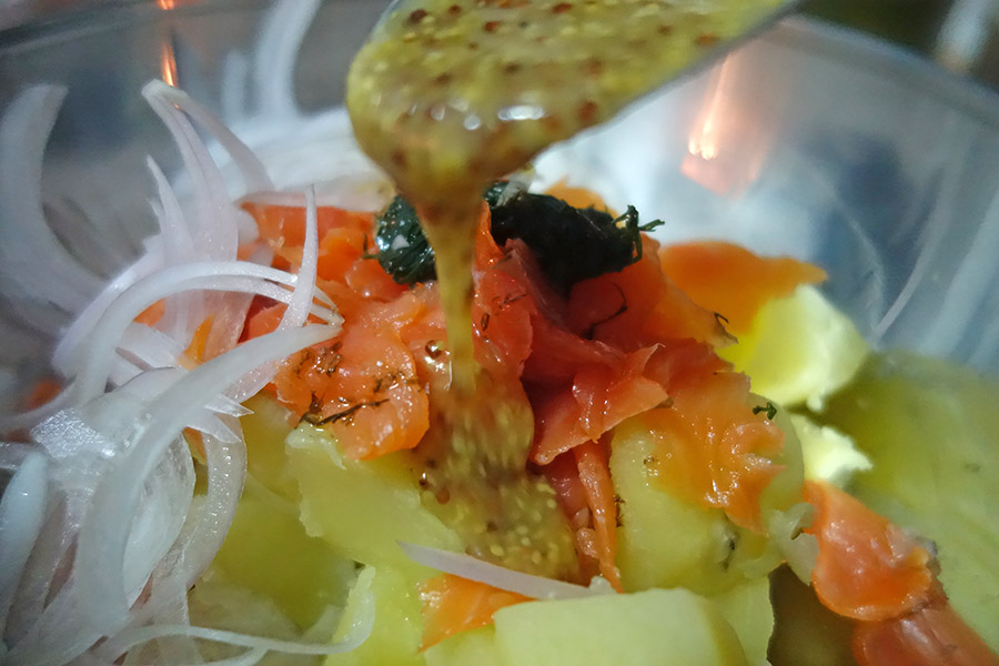 receta ensalada patata salmon ahumado